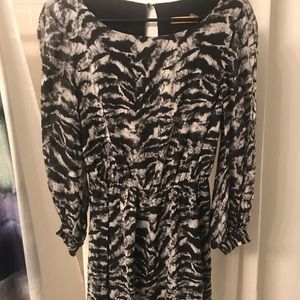 Alice + Olivia mini dress Sz S